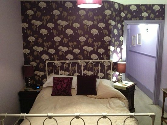 The Warwick Guest House: nice and comfy