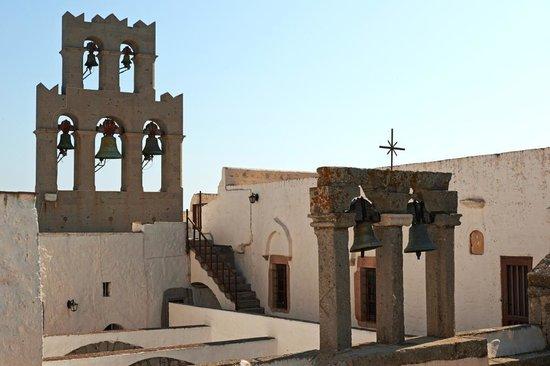 Nicolas Studios: Le monastère
