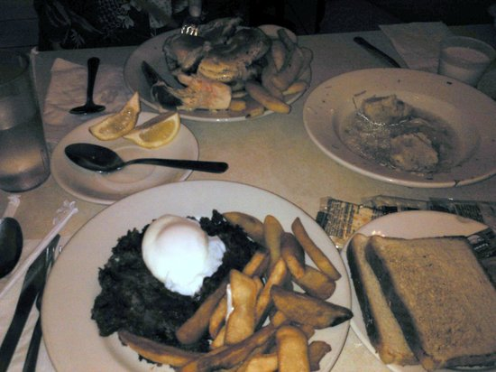 Cafe Edison : The food is so much better than it looks in this photo!