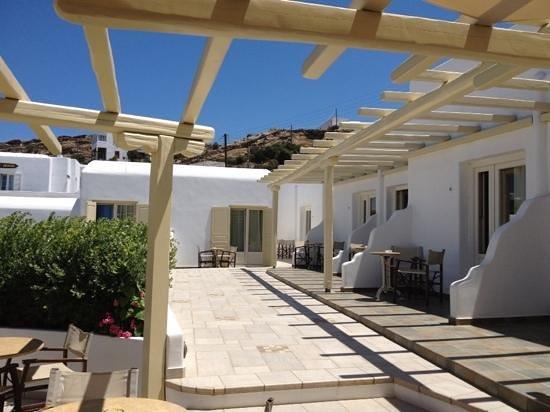 Pelican Hotel: Autres chambres et terrasses