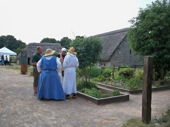 Cosmeston Lakes Country Park: Medieval village