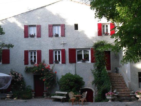 Le Moulin de Sonaille : Front of B&B
