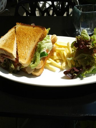 Maitai-lounge: Chicken Club Sandwich - Great Value!