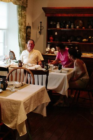 Historic Smithton Inn : my family enjoying breakfast