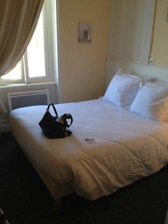 Les Villas d'Arromanches : Chambre à l'arrivée dans les lieux