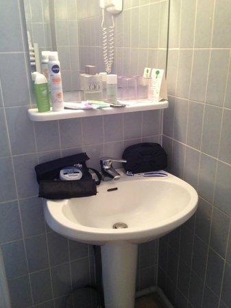 Les Villas d'Arromanches : Espace lavabo
