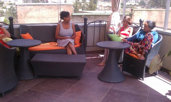 Kefetew Guest House : On the rooftop relaxing