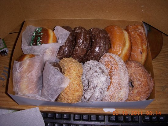 Leavitt's Country Bakery: The best donuts ever
