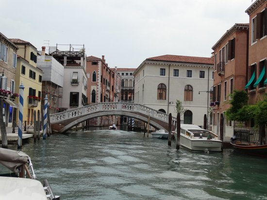 Al Bailo di Venezia: Bridge on Canal