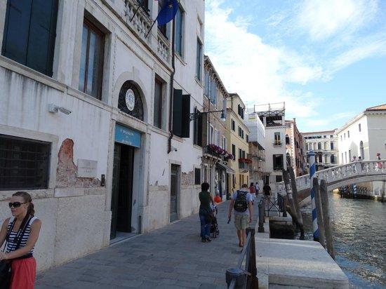 Al Bailo di Venezia: Canal Zone