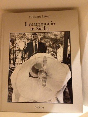 B&B Piazza Vittorio: Reception: libri interessanti