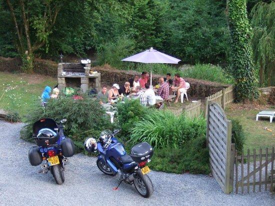 Le Moulin de la Touche : BBQ area