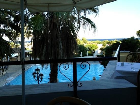 Grecotel Rhodos Royal : vu de la terrasse du restaurant