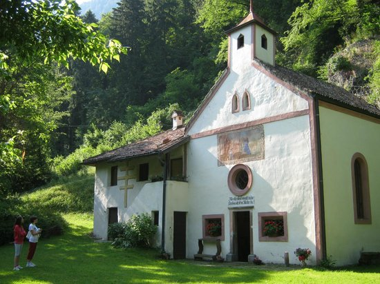 Eremita-Einsiedler: La chiesetta a due passi dall Hotel
