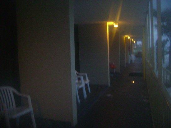 Chateau Motel : patio on Cabana level