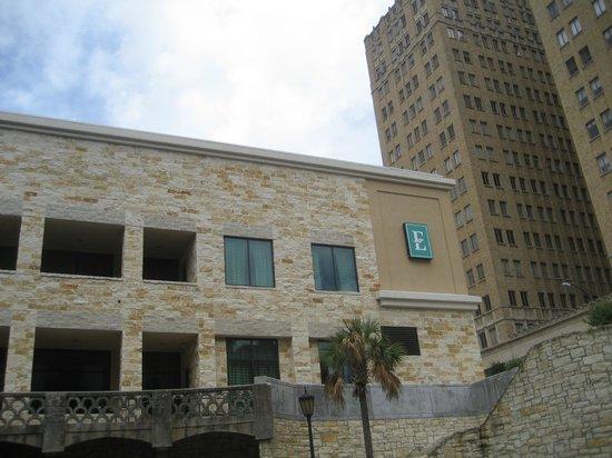 Bedroom Picture Of Embassy Suites By Hilton San Antonio Riverwalk Downtown San Antonio