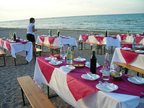 Hotel Miramare: Fantastica Cena in spiaggia organizzata dal Miramare