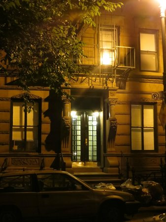 Ghosts, Murders and Mayhem Walking Tours of New York City: Sid, are you home?