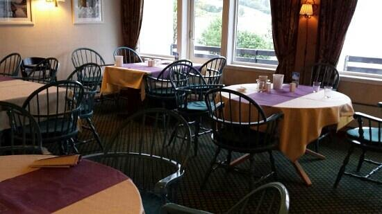 First Hotel Raftevold: the breakfast room