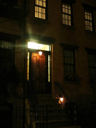 Ghosts, Murders and Mayhem Walking Tours of New York City: Gay Street