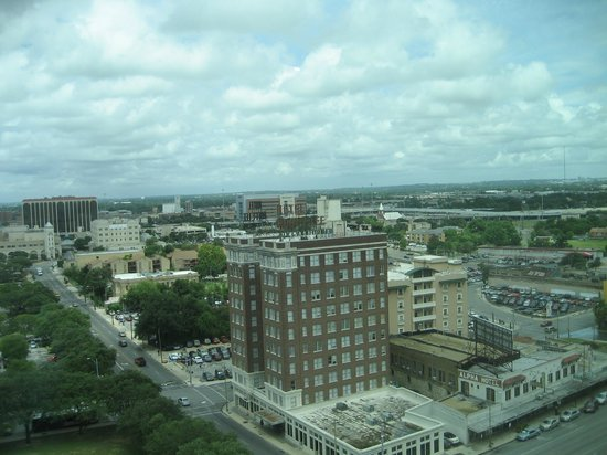 Embassy Suites by Hilton San Antonio Riverwalk-Downtown: View From the Room