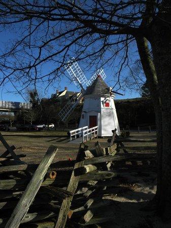 The Watermen's Museum: Replica Windmill