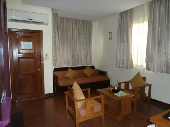 Suites And Sweet Resort Angkor: COIN SALON