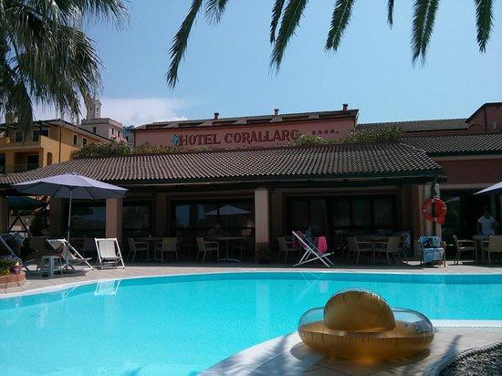 Grand Hotel Corallaro : Piscine