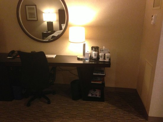 The Westin South Coast Plaza: Desk