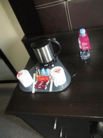 Mercure Paris Terminus Nord: Coffee and tea