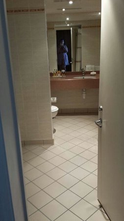 Portsmouth Marriott Hotel: Bathroom with bubble jets