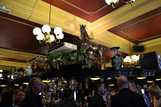 Horse Shoe Bar: l'interno del locale