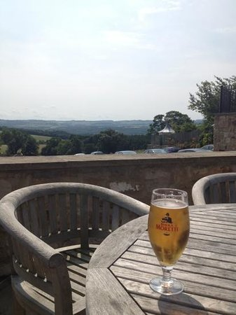 Duke of Wellington Inn: fantastic pint of morretti with excellent views