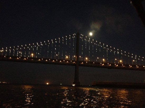 San Francisco Bay Boat Cruises/Wine Tasting on the Bay: Awesome views of the bridge from the Neptune!