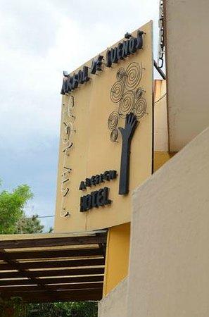 Hotel Arbol de Suenos: The street view