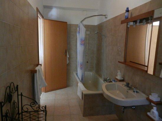 B&b Babbai Giommi: Habitación doble con baño adentro