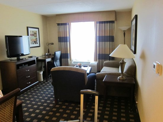 Homewood Suites by Hilton Toronto Airport Corporate Centre: Livng Room