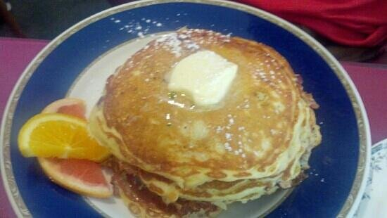 Little Rooster Cafe: Banana Pancakes