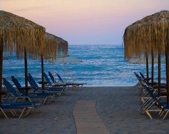 Sonio Beach Apartments : Utsikt från restaurangen
