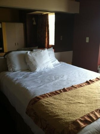 Microtel Inn & Suites by Wyndham Cottondale/tuscaloosa: Bed