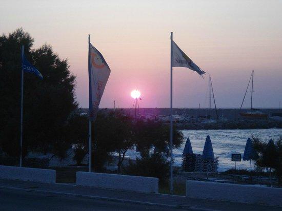 Samaina Inn Hotel: вечерний закат