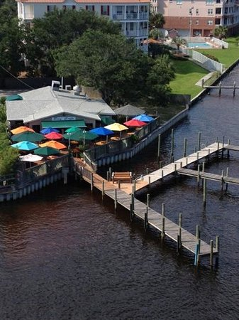 Bay Cafe : view from above, across from Legendary Marina