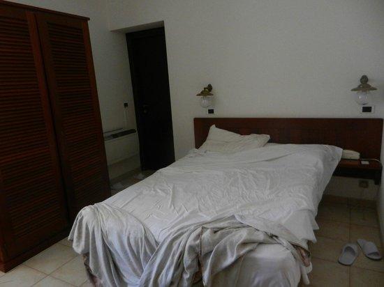 Hotel L'Ancora : Habitación doble, planta baja.