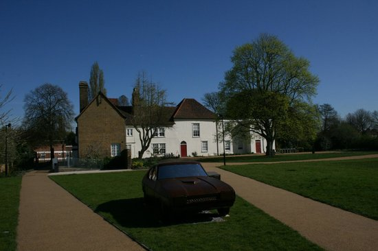 Valence House Museum