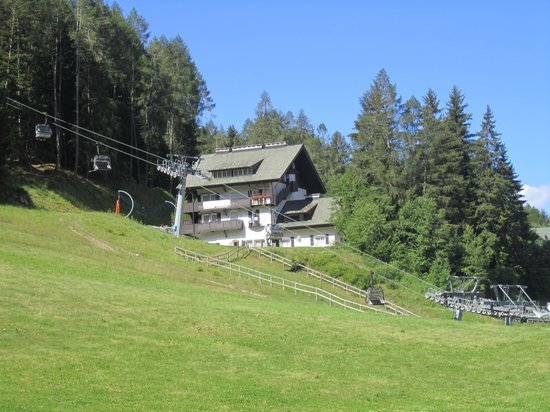 Residence La Cascata: vista del residence