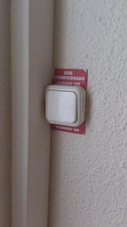 Hotel Kristal : El interruptor para el aire acondiccionado