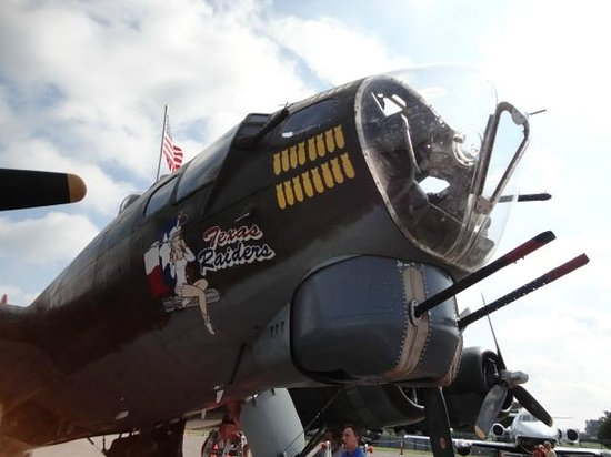 The Aviation Museum of Kentucky: B-17 nose