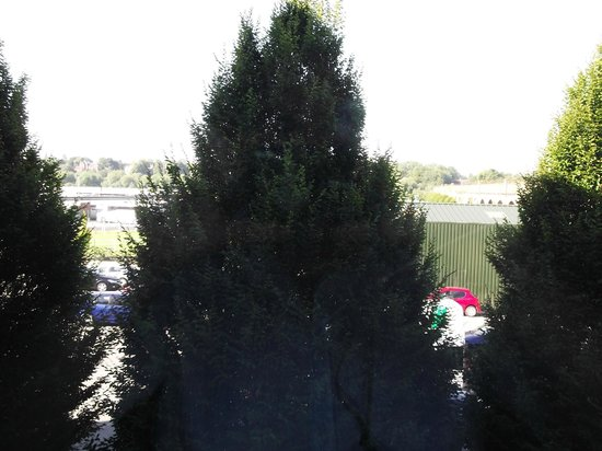 Holiday Inn Express Chester - Racecourse: view from room 2