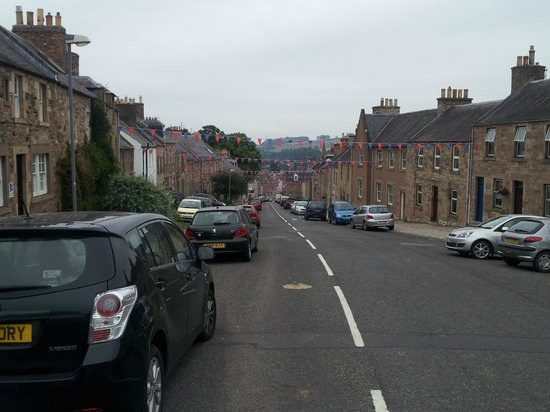 Glenbank House Hotel: The main road through Jedburgh, from the entrance/driveway
