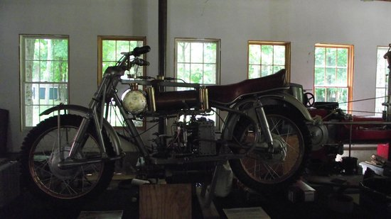 Connecticut Antique Machinery : steam motorcycle